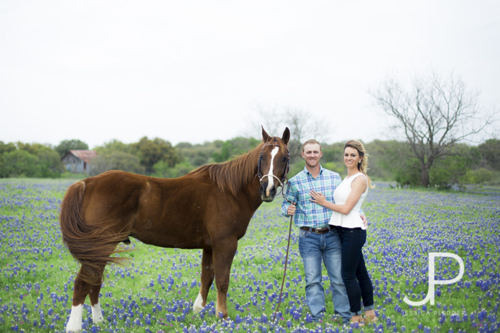 Texas Hill Country Engagement Session Featured on 7 Centerpieces Blog by Jessica Pledger Photography