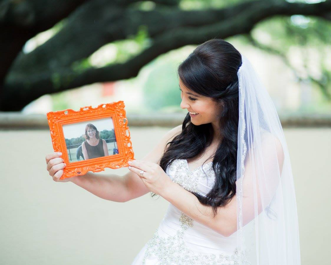 Ways To Honor A Deceased Loved One On Wedding Day